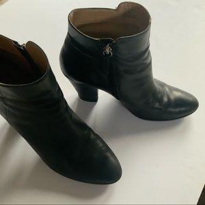 Adreinne Vittadini fall black booties size 10